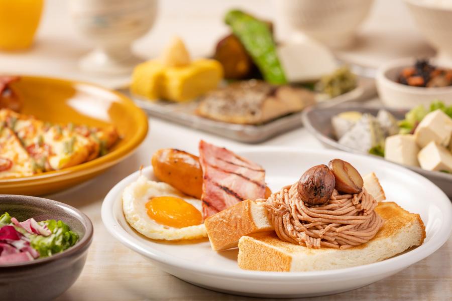 Breakfast Plate in Autumn