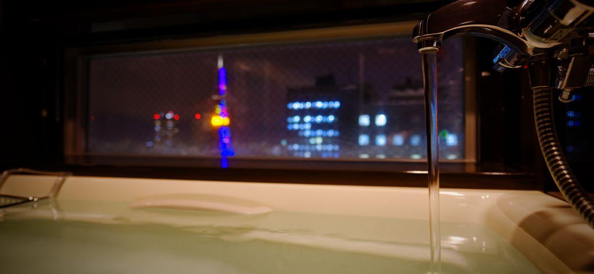 札幌の街並みを眺めながら入浴